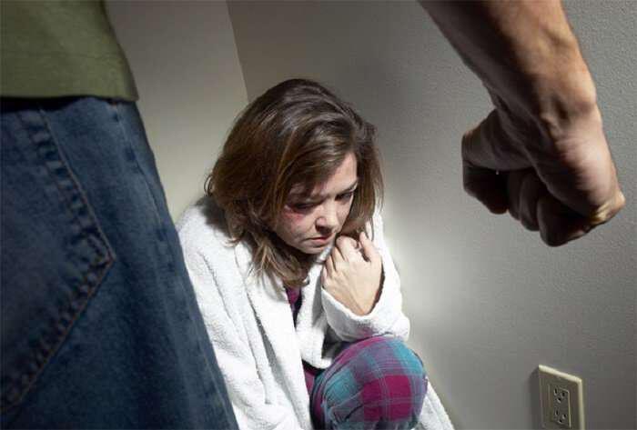 Αποτέλεσμα εικόνας για ενδοοικογενειακη βια-παιδι