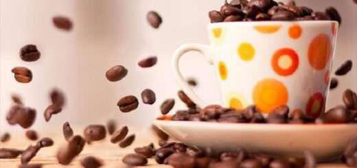 einai-o-ntekafeine-pio-ygieinos-apo-ton-kanoniko-kafe